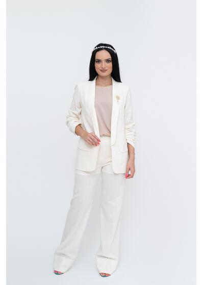 costum din in alb de dama